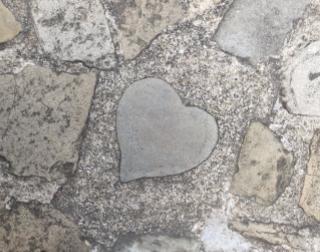 長崎グラバー園のハートの石