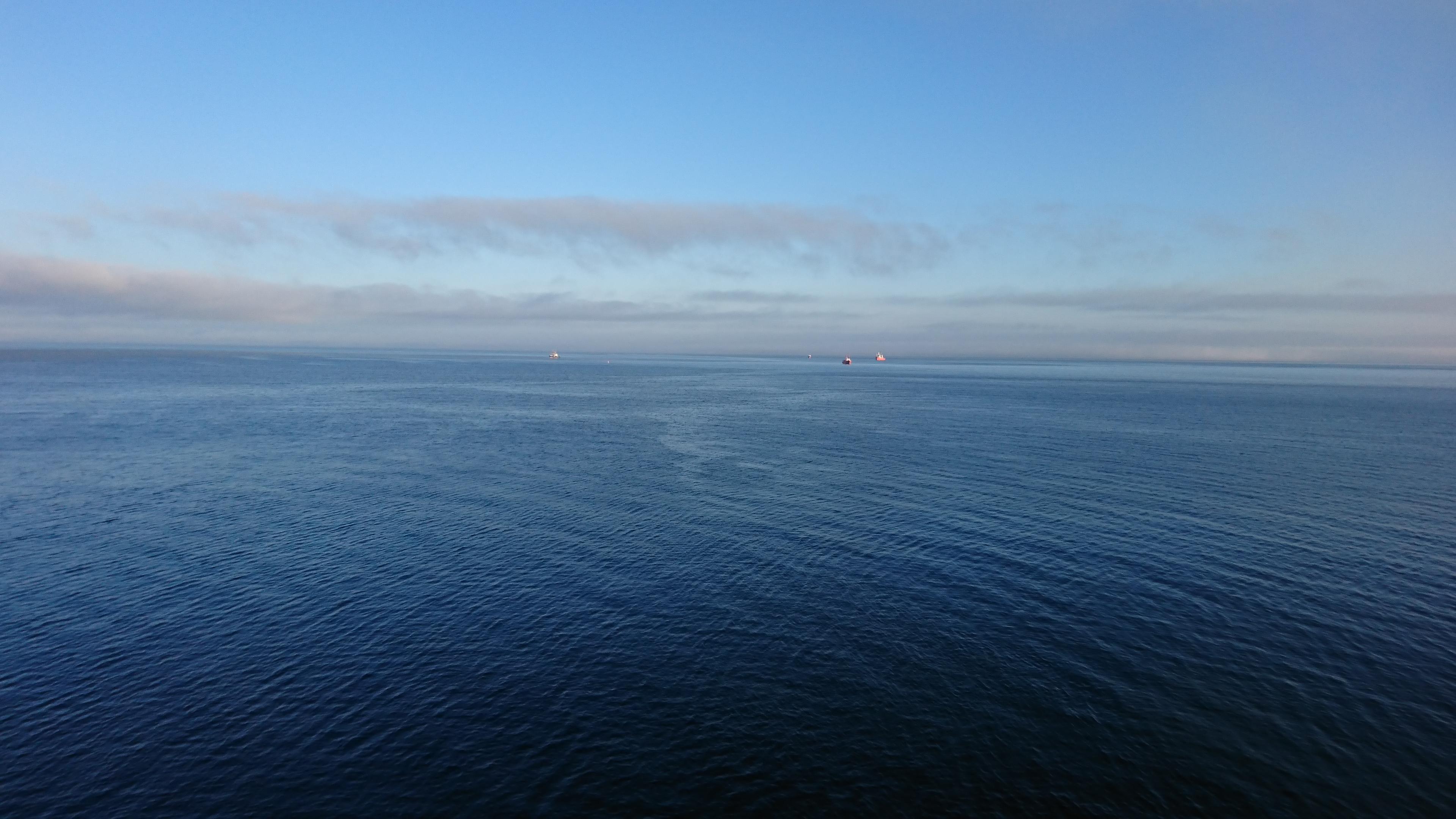 ダイヤモンドプリンセス船内から見たコルサコフの海