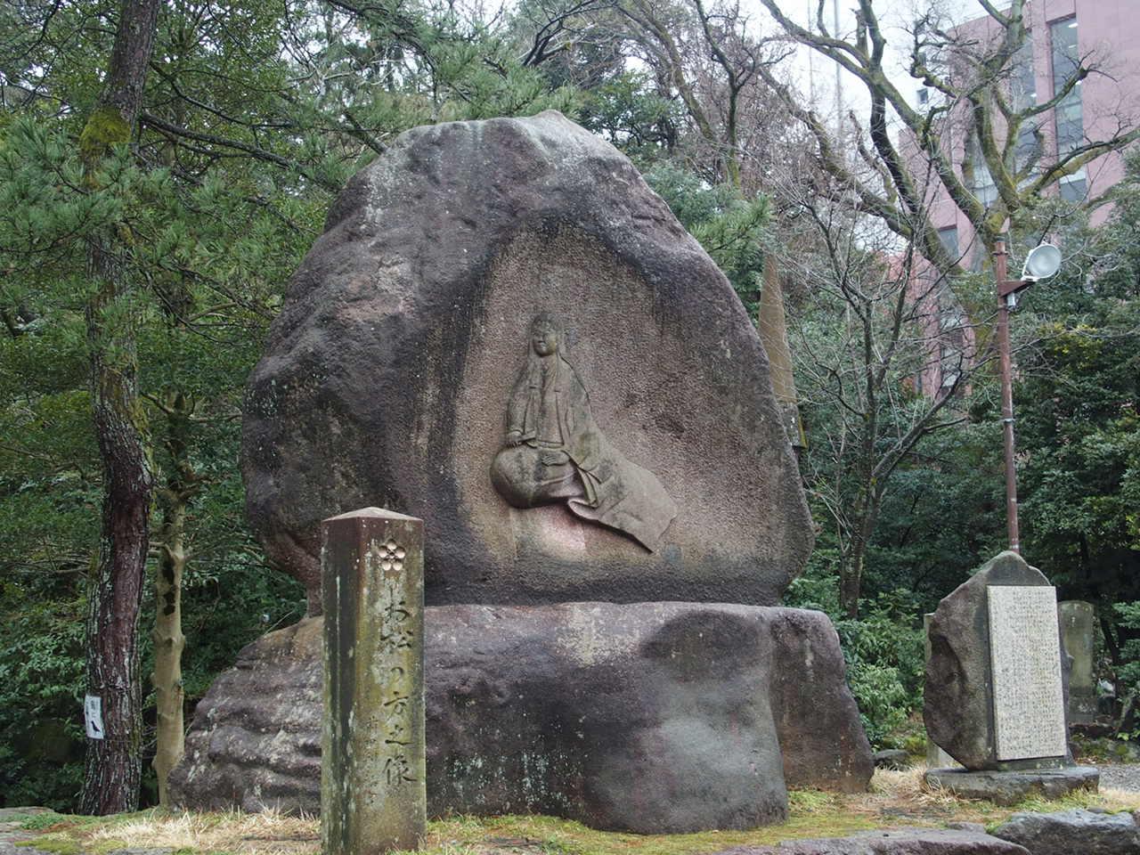 金沢のパワースポット尾山神社のお松の像
