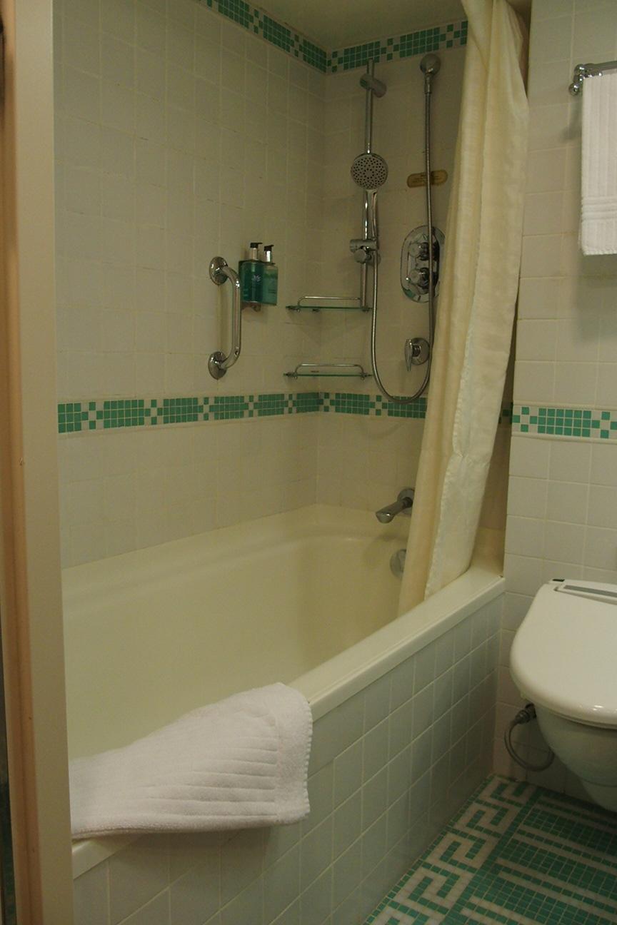 ダイヤモンドプリンセスの客室ジュニアスイートのバスルーム