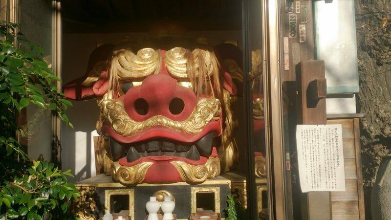 波除神社の市杵嶋姫命がお祀りしてある弁天神社のお歯黒獅子