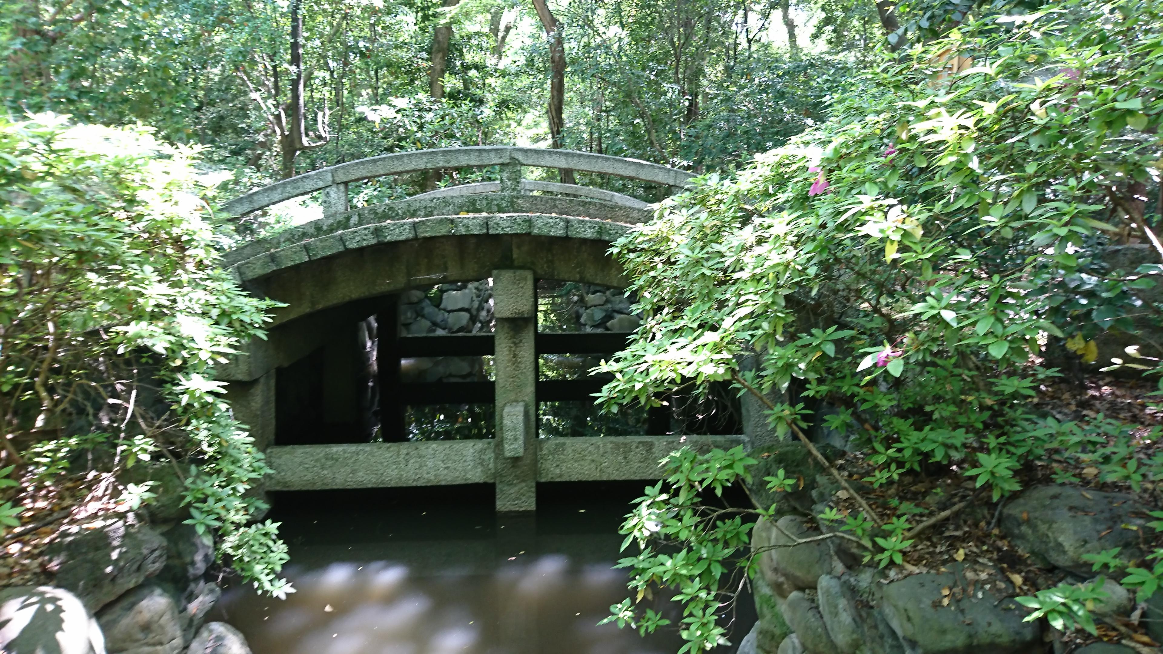 熱田神宮の境内にある二十五丁橋