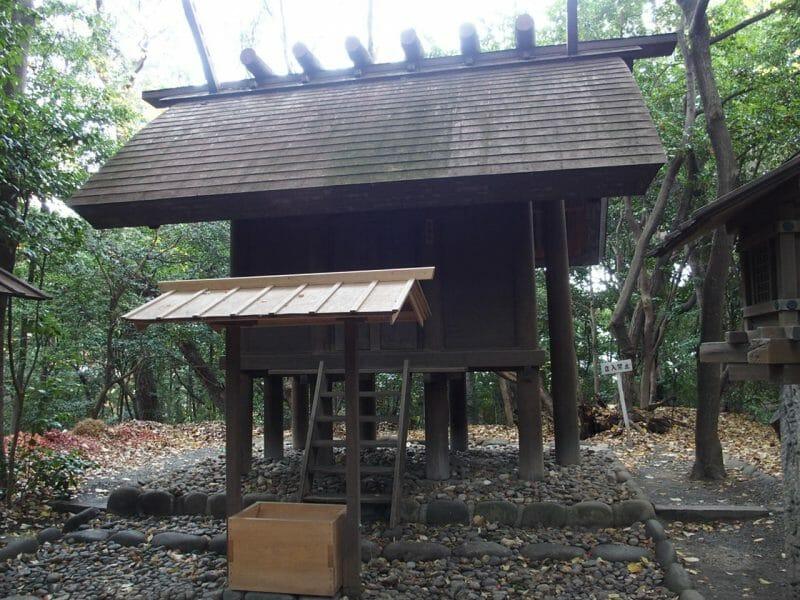 熱田神宮のパワースポット龍神社