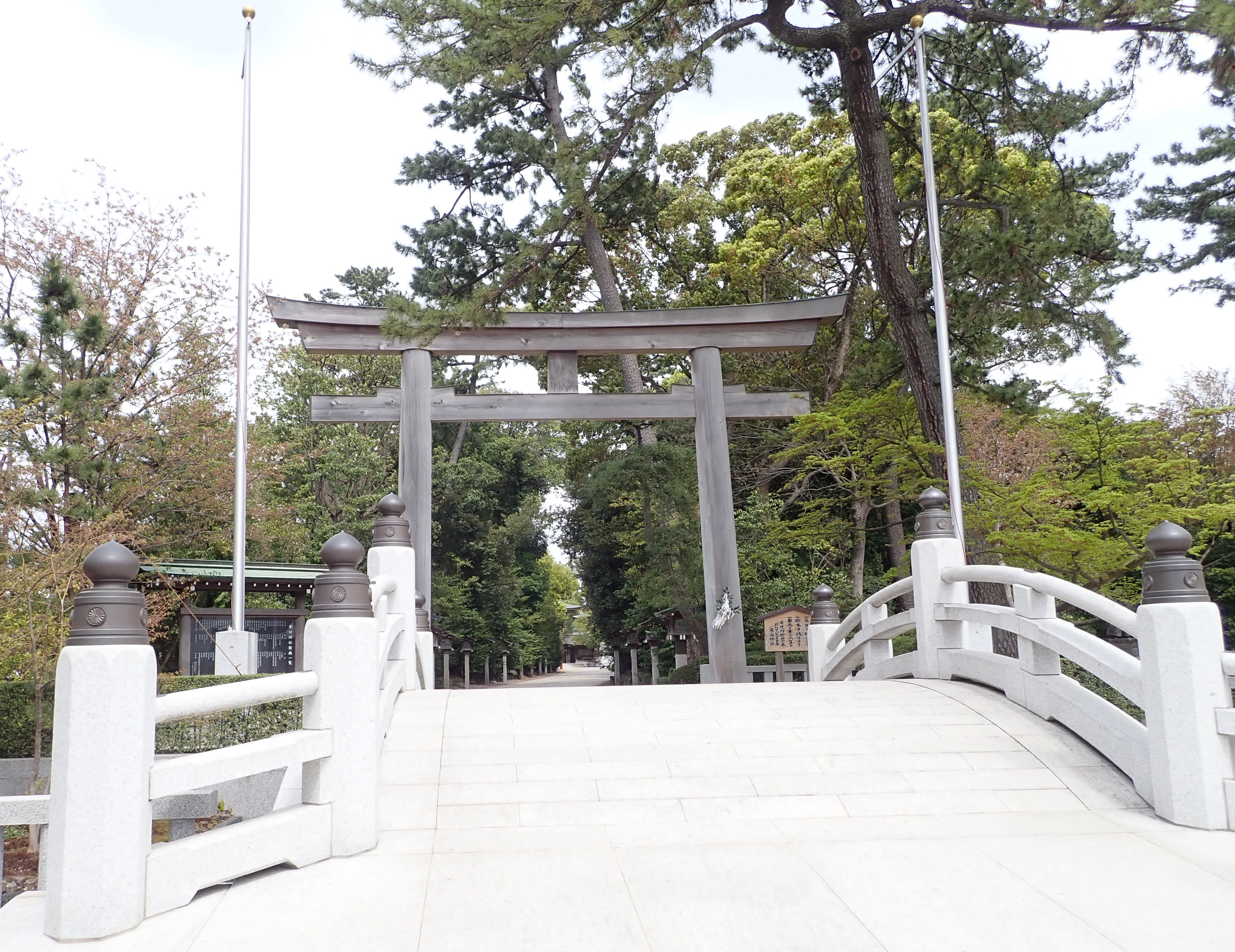寒川神社の第一の鳥居