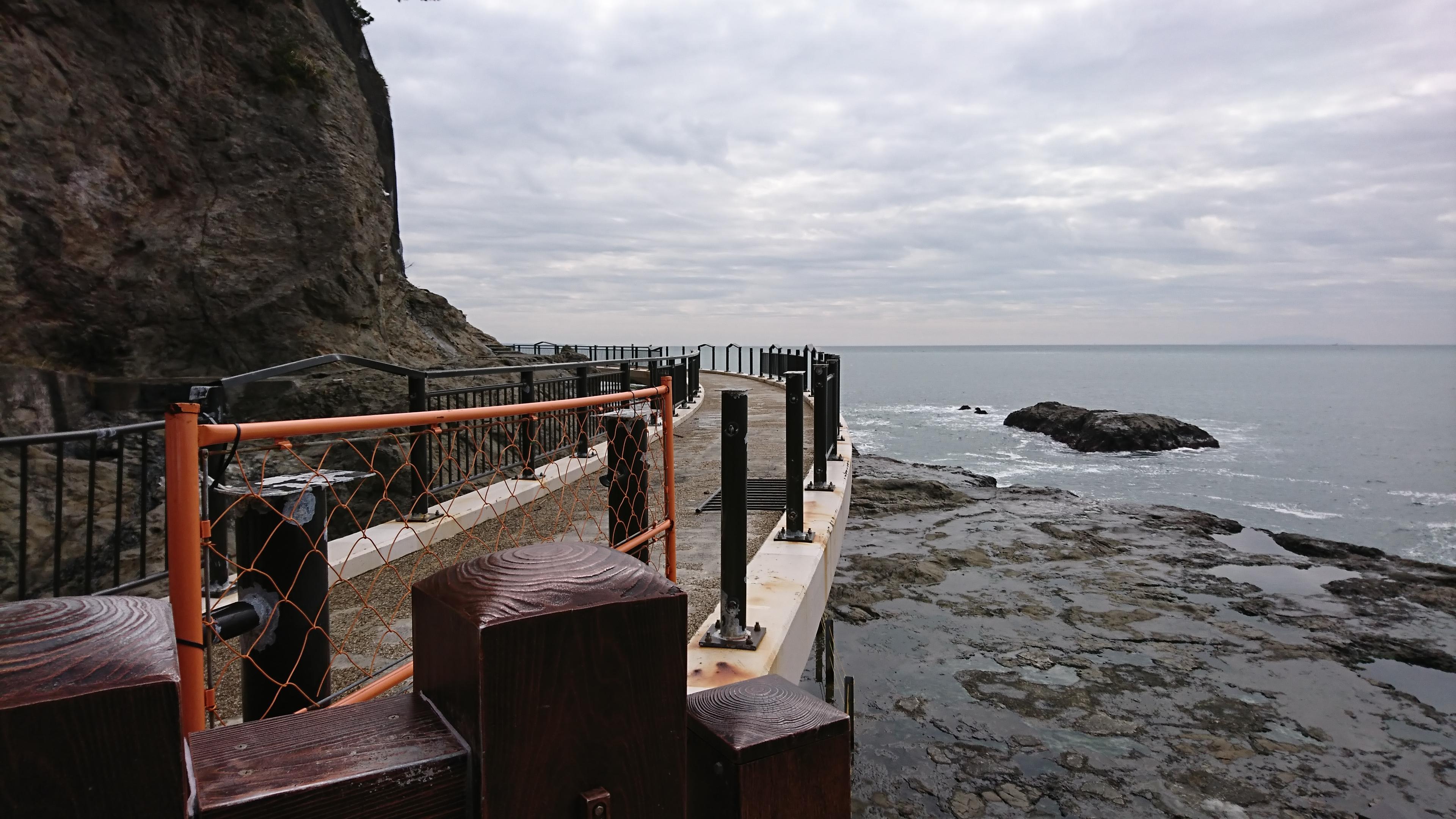 江ノ島神社の稚児ヶ淵から岩屋洞窟へ向かう道のり