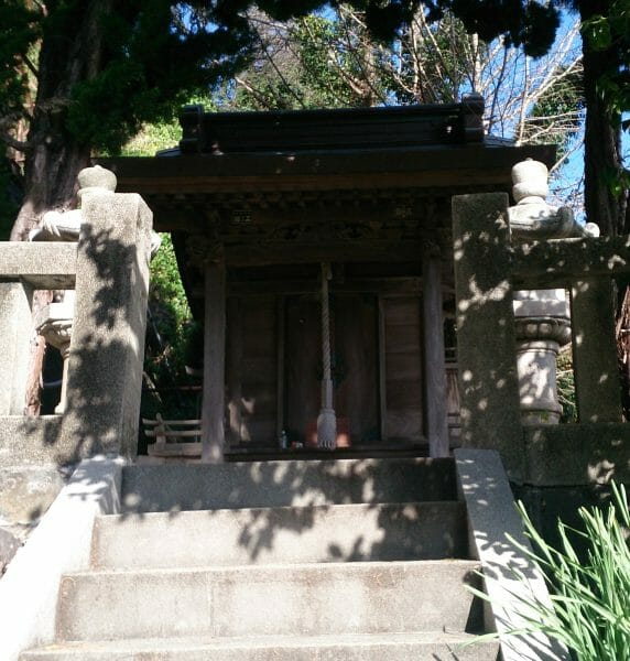 伊豆山神社の境外末社の走湯神社