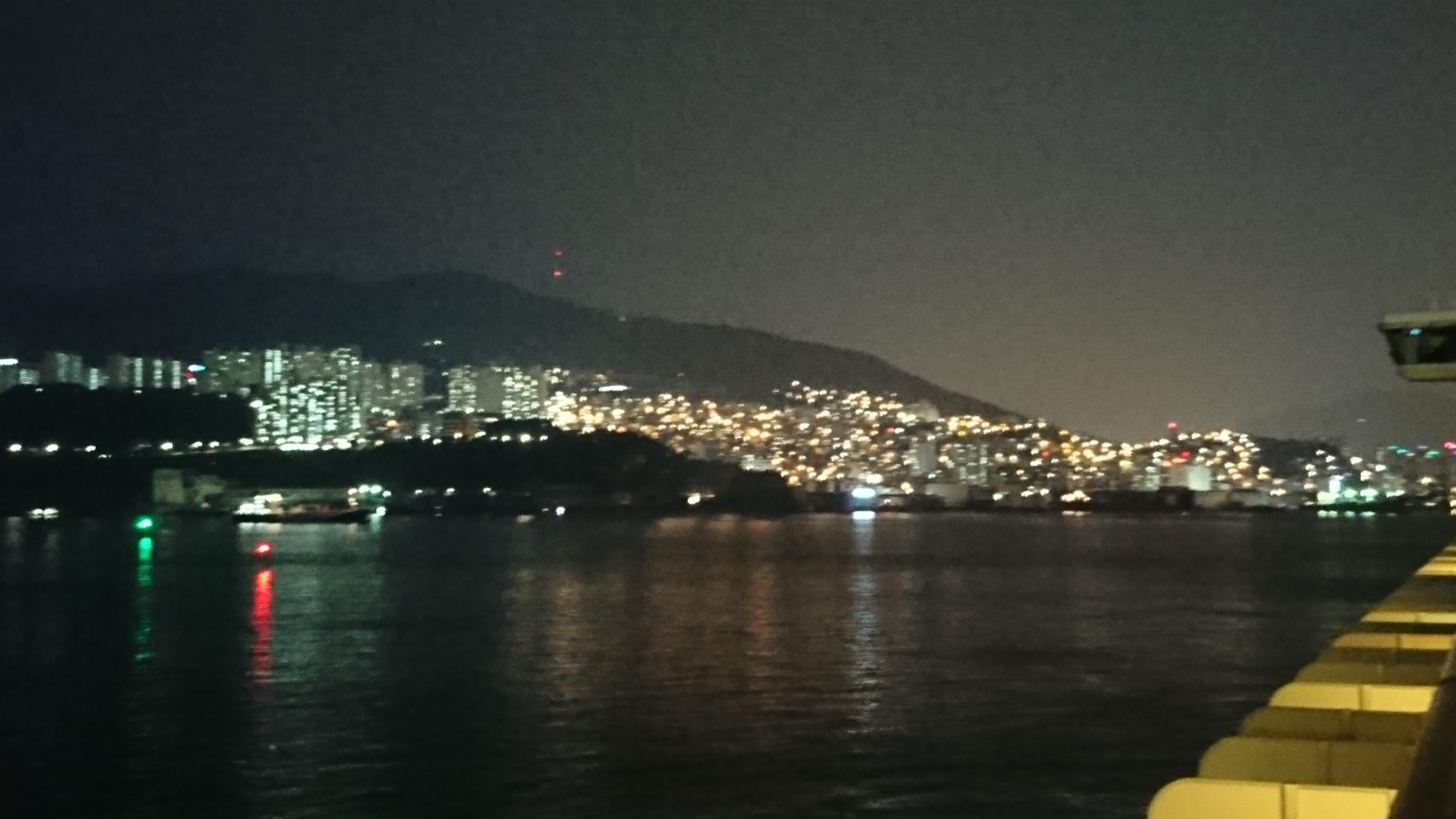 釜山港の夜景