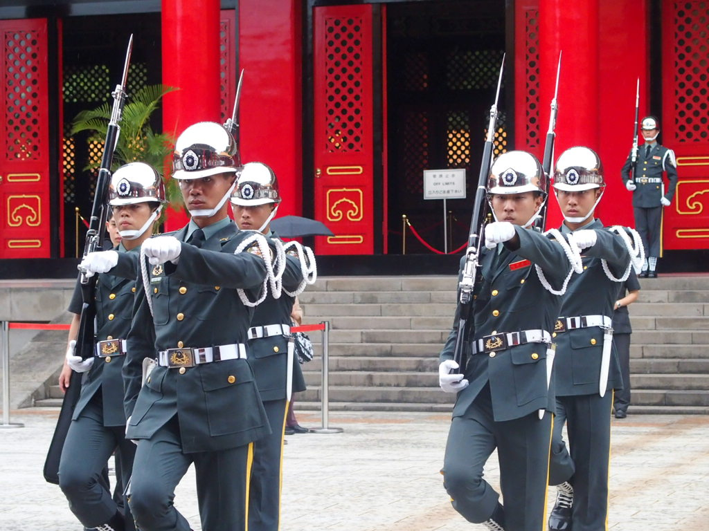台北の忠烈祠で1時間に1回行われる衛兵交代