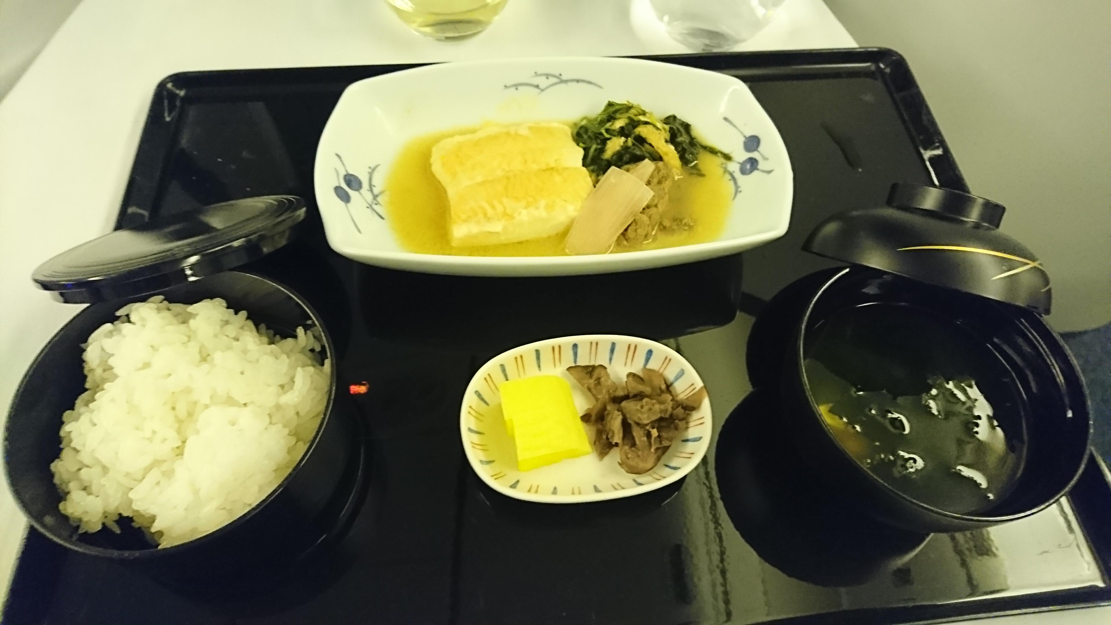 ANAビジネスクラス機内食の和食メイン