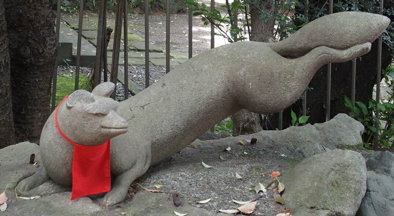 早稲田のパワースポット水稲荷神社の傷病平癒の神狐