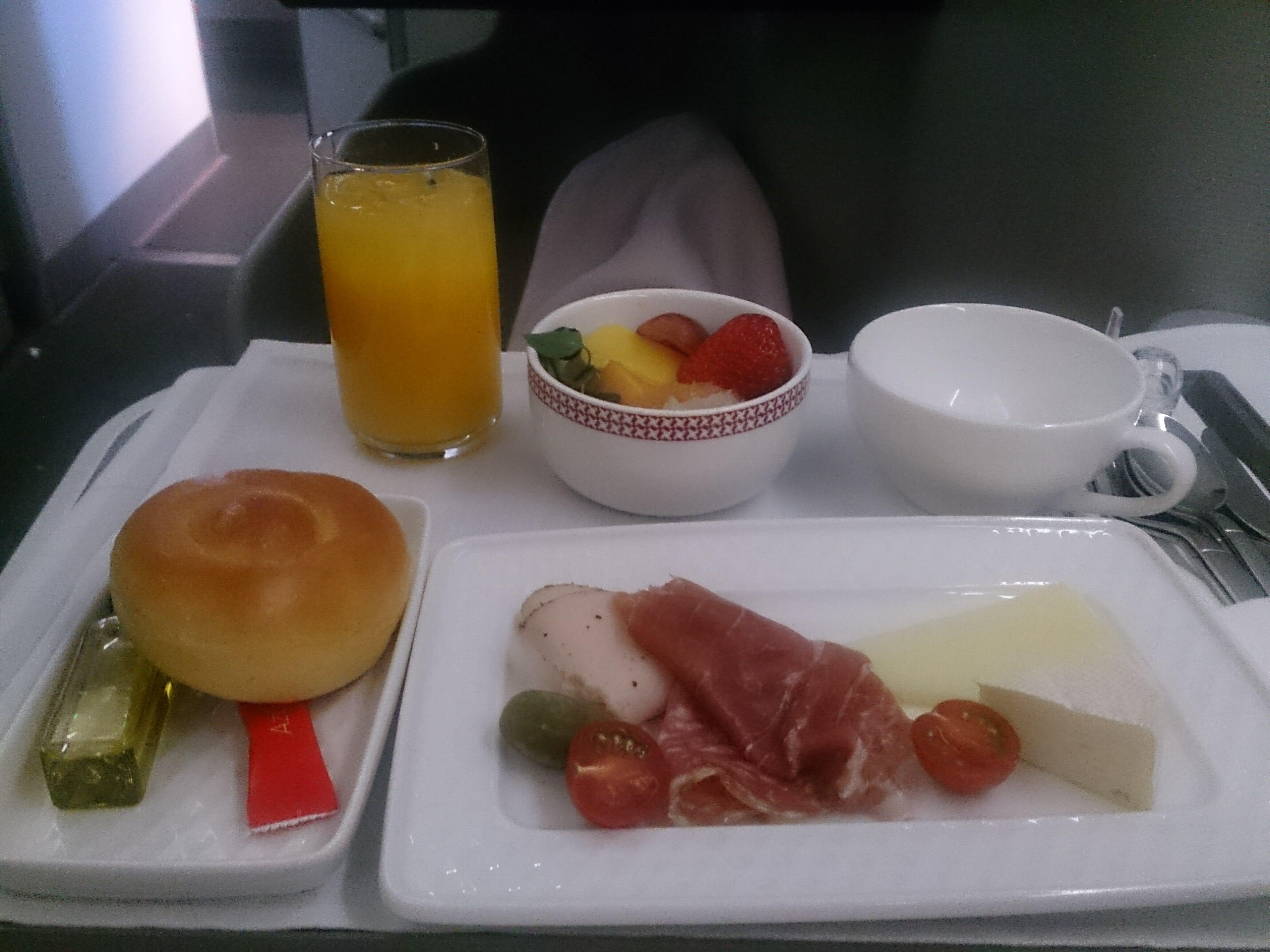 イベリア航空ビジネスクラスの朝食