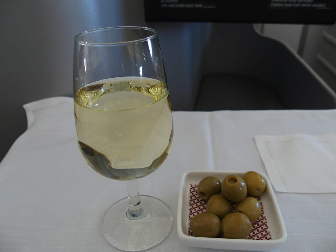 イベリア航空ビジネスクラスのウェルカムドリンク