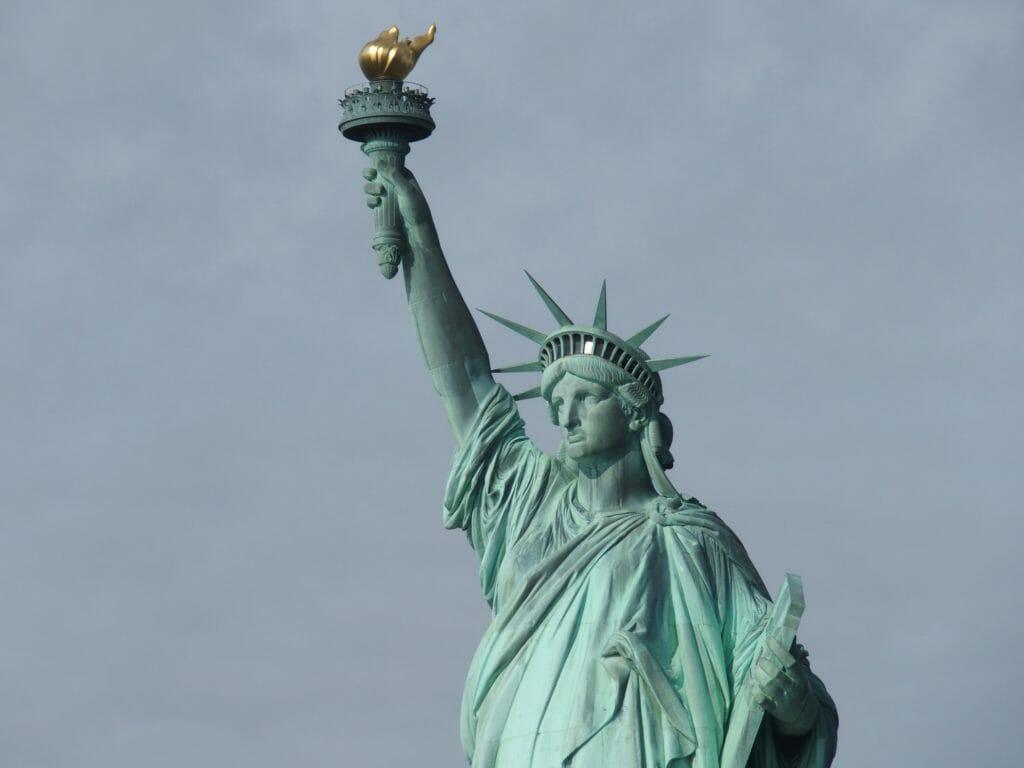 自由の女神の王冠に登る!?ツアー予約の方法・フェリーの乗り方まとめ