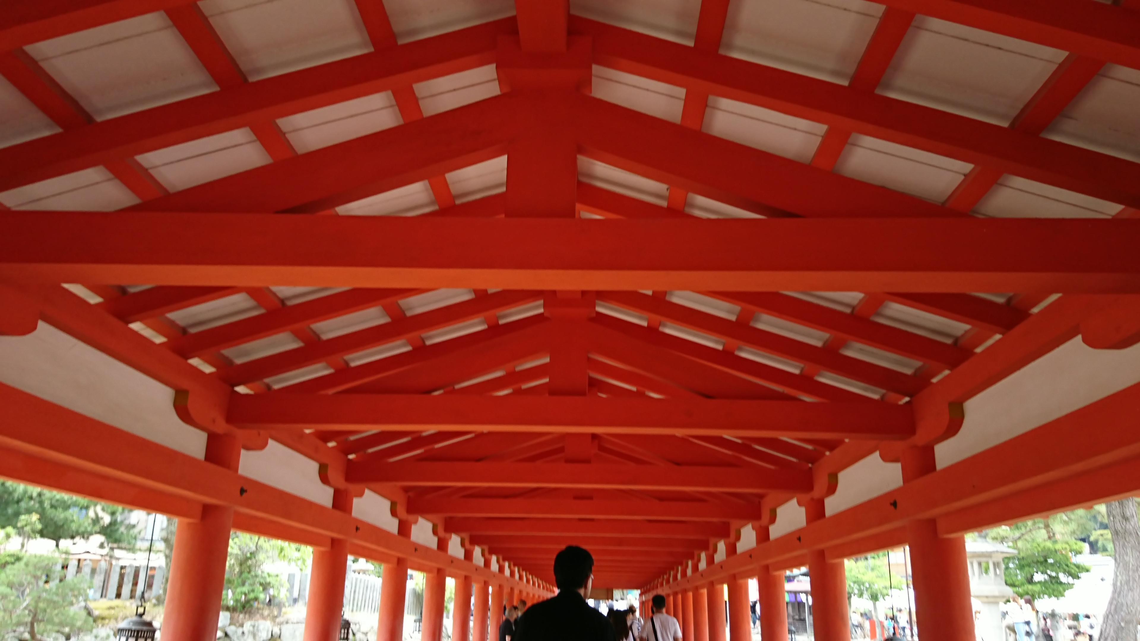 宮島の厳島神社で国宝に指定されている回廊