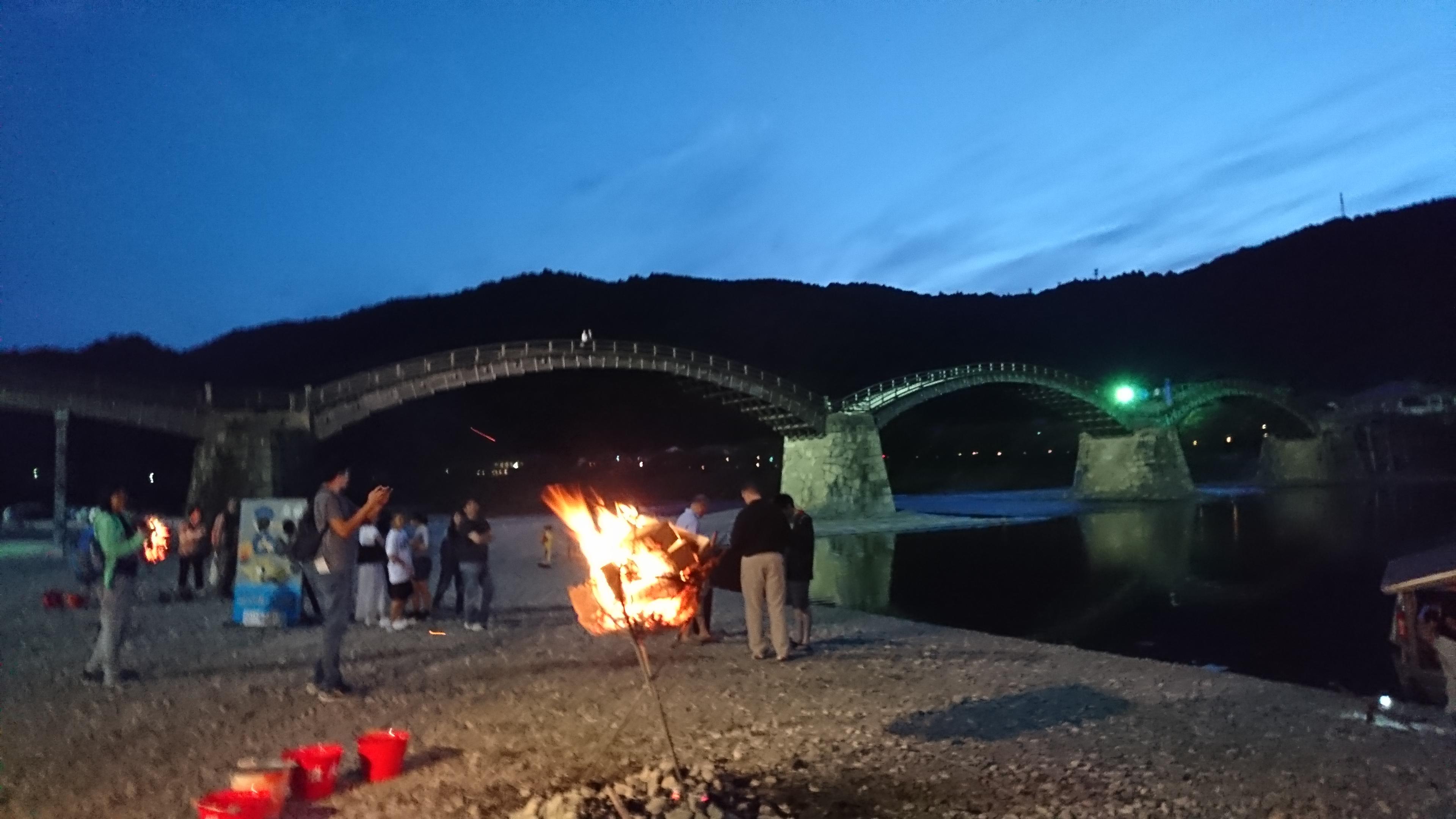 岩国の錦川で錦帯橋を見ながら鵜飼