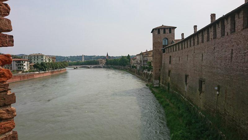 ヴェローナのおすすめ観光地スカリジェロ橋