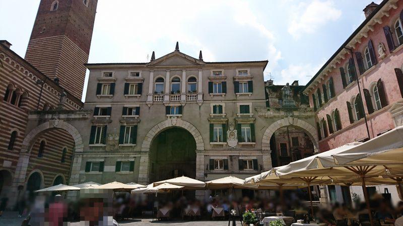 ヴェローナの観光地エルベ広場