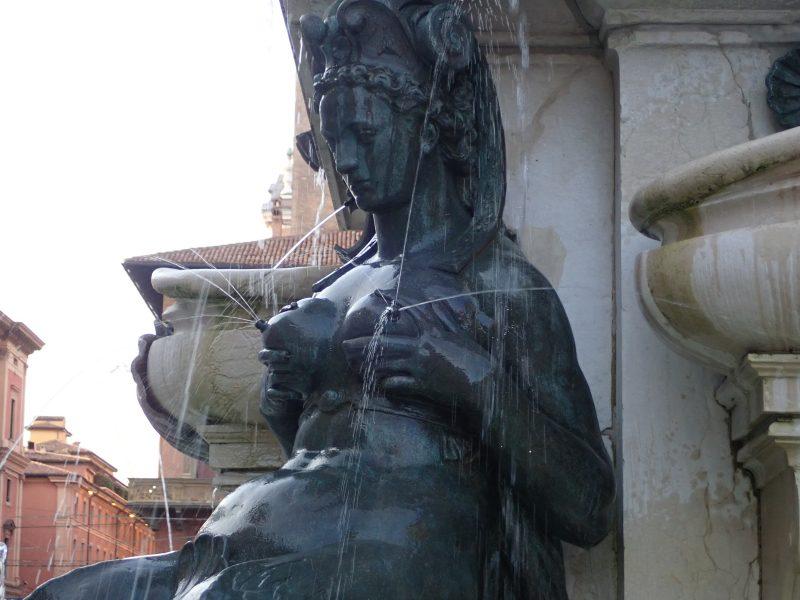 ボローニャのマッジョーレ広場にあるネプチューンの噴水