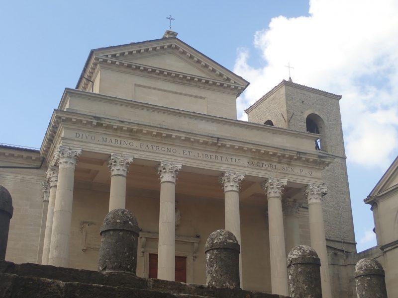 サンマリノ共和国の聖マリノ教会、 サンピエトロ教会。