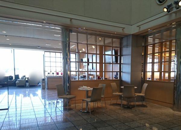 成田空港のユナイテッド航空のラウンジ