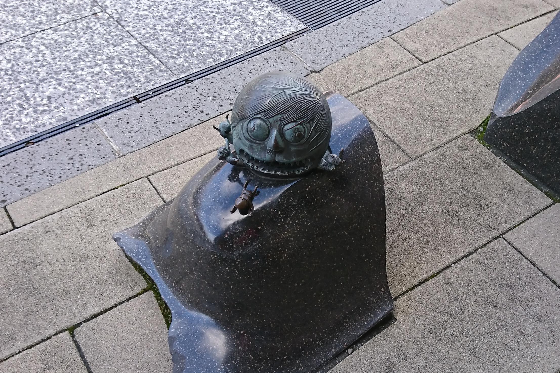 境港の水木しげるロードのブロンズ像
