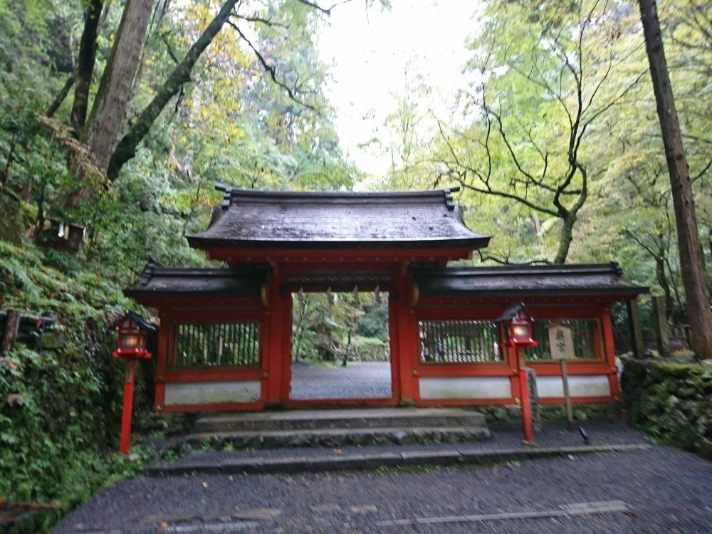 貴船神社・奥宮の神門