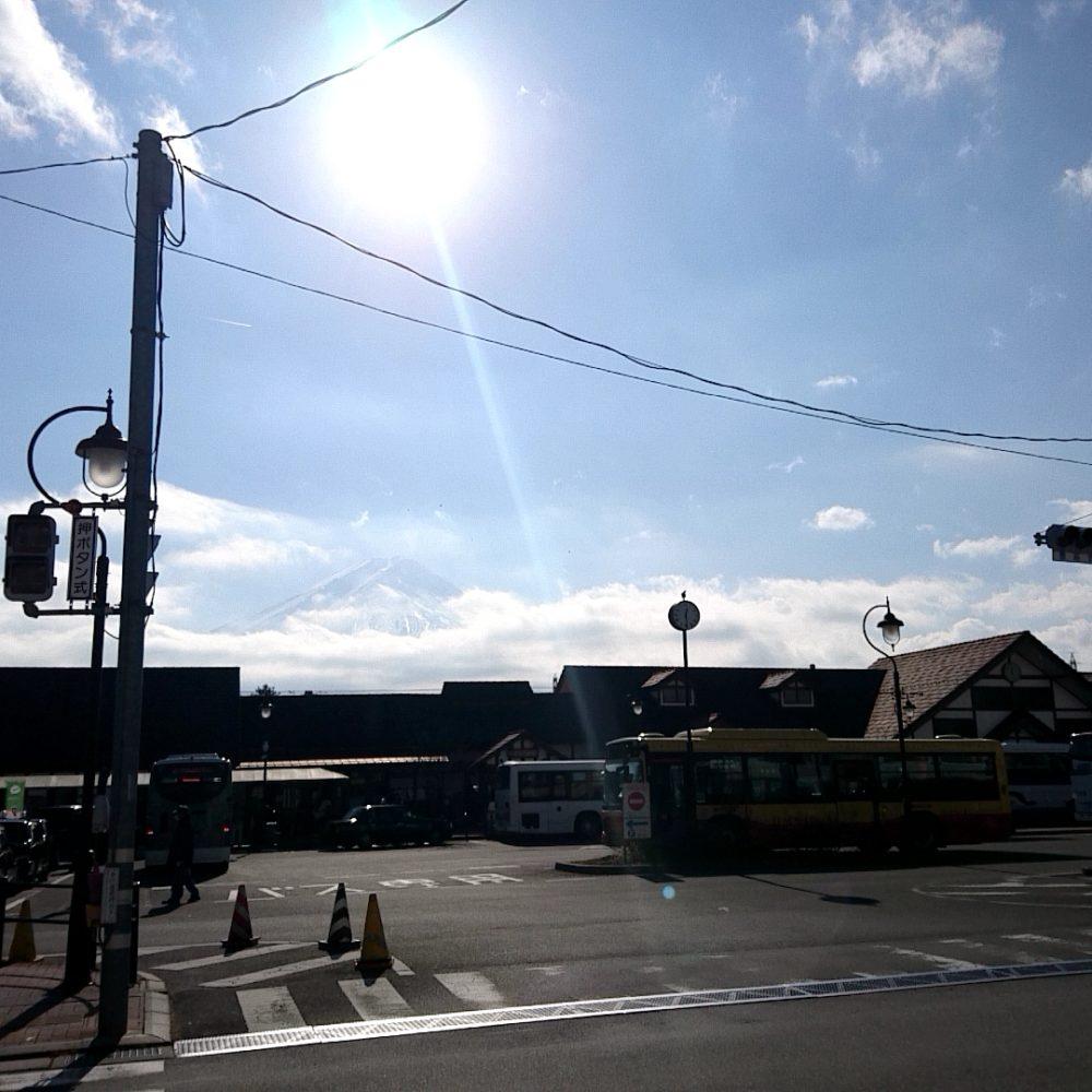 河口湖駅から見える富士山