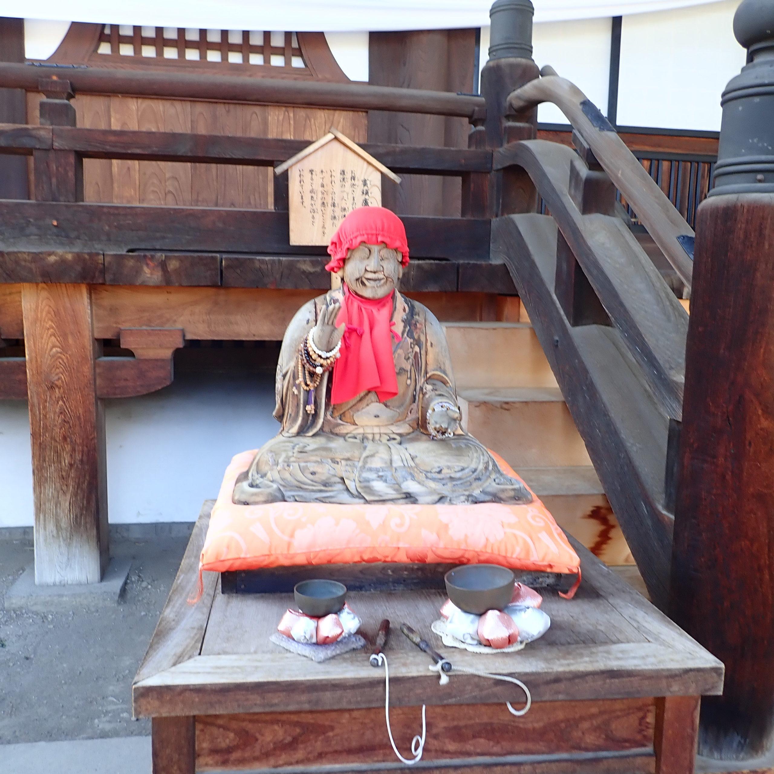信州善光寺の参道にある大勧進にある賓頭盧尊