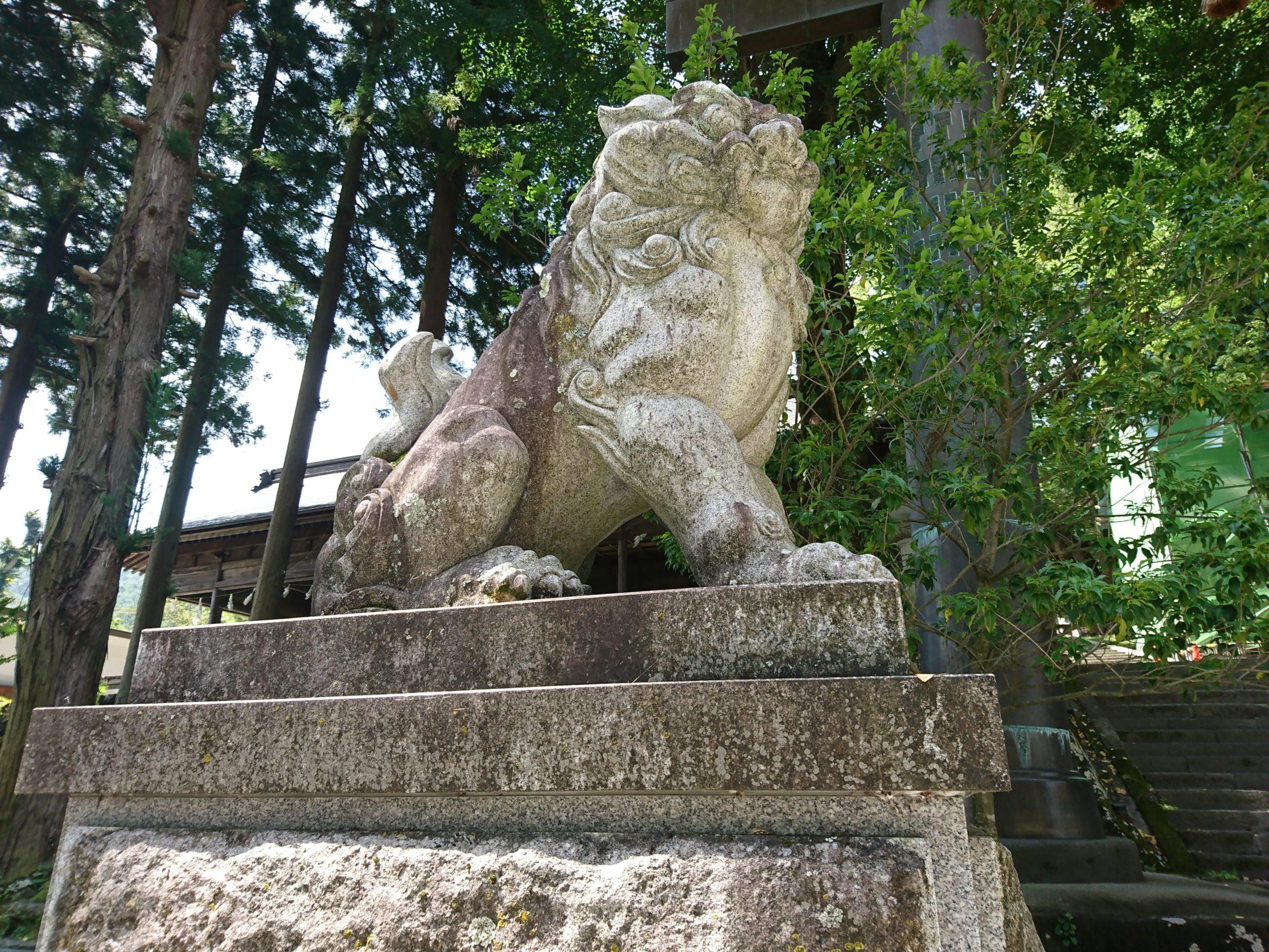 諏訪大社上社前宮の狛犬